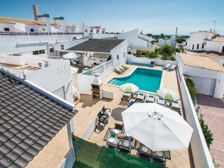 Villa Evaristo - 6 Bedroom Villa - Close To Beach