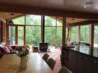 Ptarmigan Lodge - 4 Bedroom Lodge with Hot Tub