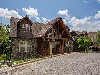 Wilderness Lodge : Exquisite 4 Bedroom, 4 Bath Stonebridge Golf Resort Cabin!
