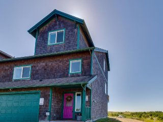 Dog-friendly, waterfront home - steps from town, Discovery Trail, & the beach!
