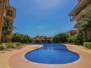 Conveniently located condo w/ shared pool & easy beach access - ocean views!