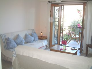 'Meltem' Fabulous 1 Bed Apart - 5mins walk to Beach, Harbour, Shops & Restaurant