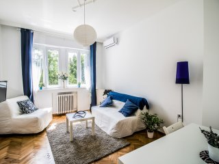 Top center cosy modern flat with all amenities