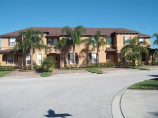 Resort Townhouse 15 minutes to Disney
