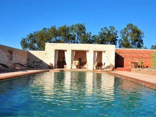 Villa with private pool - for 12!