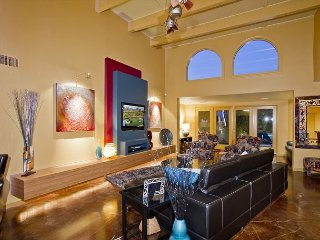 3 Bed 3 Bathroom Patio Home in Old Town Scottsdale - Fully Furnished, WiFi