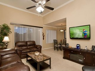 2 Bed 2 Bath Furnished Condo - Washer/Dryer in Condo, WiFi, Pool