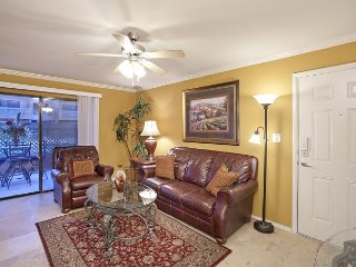 Fully Furnished 2 Bed 2 Bath Condo in Old Town - WiFi, Washer/Dryer in Condo