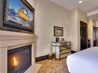Resort Room w/King Bed and Private Patio - By Ovation Vacation Rentals