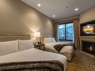 Resort Room with 2 Queen Beds at luxury Resort- Private Gondola SAVE 40%