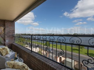 Sea View Luxury Penthouse Apartment - City Center