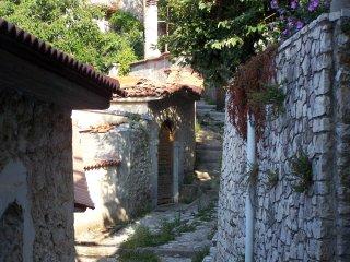 Diavatiko, Iris, Traditional Apartment