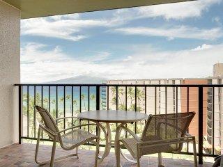 Kaanapali Shores 943 w/ ocean views, lanai, resort pools & hot tub