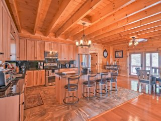NEW! Luxurious 6BR Mt. Airy Cabin in Wine Country w/Views!