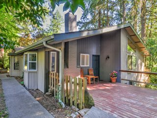 NEW! 2BR Portland House w/Tranquil Natural Views!