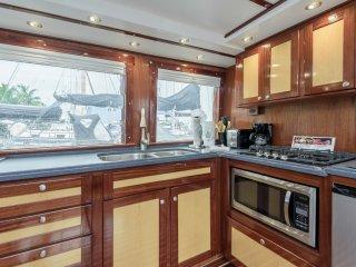 43 Luxury Charter Boat Yacht