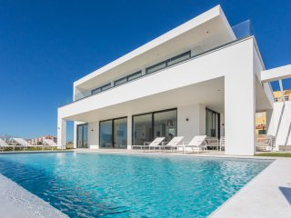 ERICEIRAHILLS- LUXURY VILLA 'CASA ELISE' IN BEAUTIFUL ERICEIRA