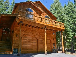 Gorgeous 4BR Tahoe Donner Home w/ Recreational Amenities – Near Ski Resorts