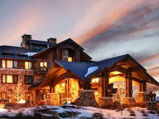 3BR at Posh Park City Hotel w/ Pool & Luxury Spa - Private Gondola to Slopes