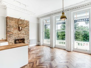 Beautiful First Floor Apartment In Grade II Listed Apartment Overlooking Garden