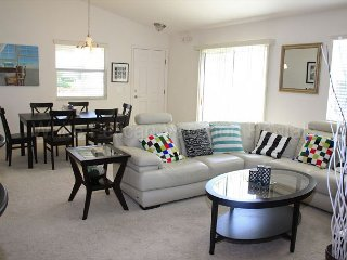 Special April Rates! Corner lot villa located in The Village of Lake Deaton!