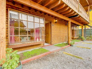 Dog-friendly cabin-style apartment near the city center w/ free WiFi & TV