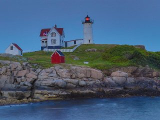 Charming & dog-friendly cottage on York Beach near Nubble Point!