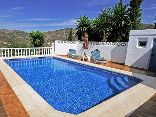 Nice Spacious Villa with Tropical Garden