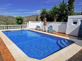 Nice Spacious Villa with Tropical Garden