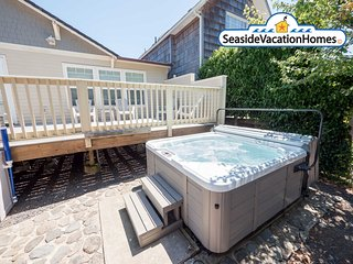 1440 Beach Dr - SHORE TO PLEASE:  HOT TUB+ PET FRIENDLY - 200 ft To Beach