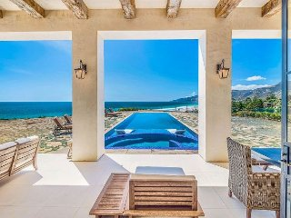 Malibu Beach Luxury Estate - Amazing Amenities, Endless Ocean Views!