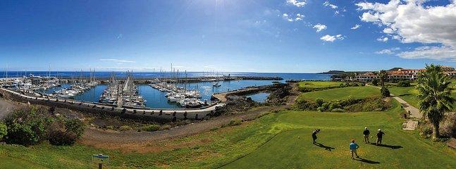 Zona cercana al apartamento, campo de golf y playas
