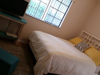 Coral Gables. Convenient, private and cozy room