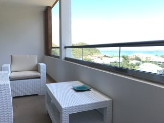 NEW DESIGN AND MODERN 2 BEDROOMS CONDO SEA VIEW