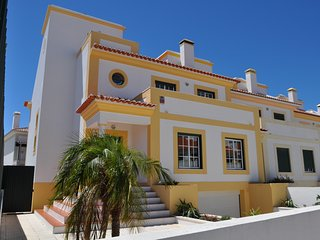 Villa Paradise a few minutes from Lisbon with WiFi