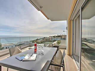 5*  2 bed apartment with Ocean views, Porto do Mos, Lagos