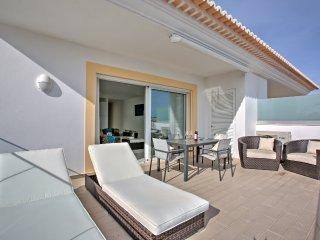 5* apartment with fabulous views, Porto de Mos, Lagos