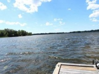 Kawartha Lakes, kirkfield , 4 BR Beautiful Lakefront Cottage, 15 Sleeps