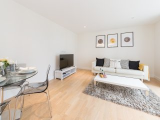 Modern 2BR Parking Brentford|Kew|Chiswick|Heathrow