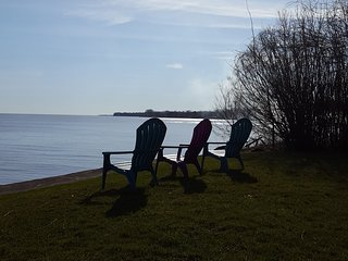 Lake Ontario Waterfront home 60 minutes from Niagara Falls