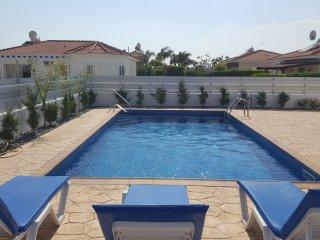 Villa Harsha 3BedVilla, SeaViews, Pool,WIFI, 2min to Water Park, 5min Ayia Napa.