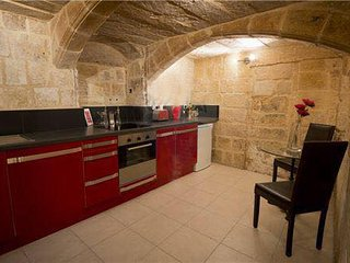 Valletta centre - 1 bedroom historic townhouse