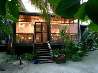 Belize Holiday rentals in Belize Cayes, Long Caye