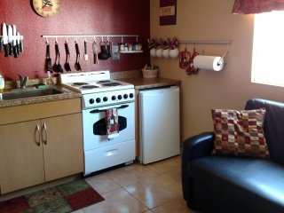 Private Studio Apartment in Tempe. Quiet, Peaceful  Hideaway.