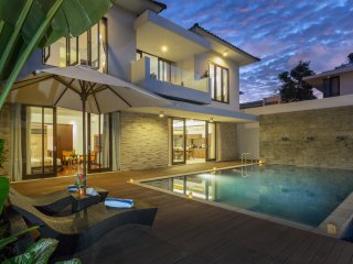 A Luxury Modern 3BR Villa Bay View - Nusa Dua
