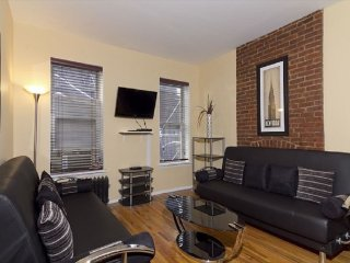 Spacious 3BR in Times Square (7815)