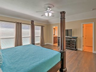 NEW! 3BR Arlington House - 2 Miles from Stadiums!