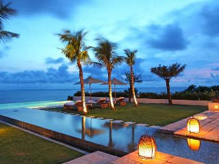 Panoramic Clifftop Luxury 6 Bedroom Villa with beach access, Uluwatu'