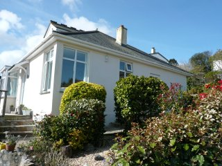 Wonderful seaside cottage in prime location with stunning sea views and gardens