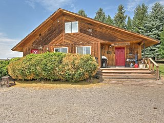 Secluded Chalet on Working Ranch 25 Mi to Rogerson